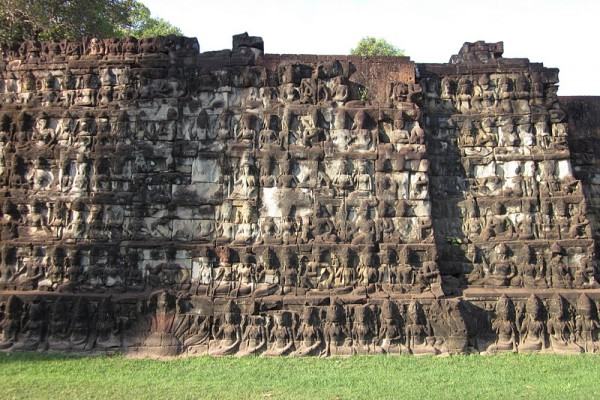 5-View-of-Elephant-Terrace-Temple-600x400